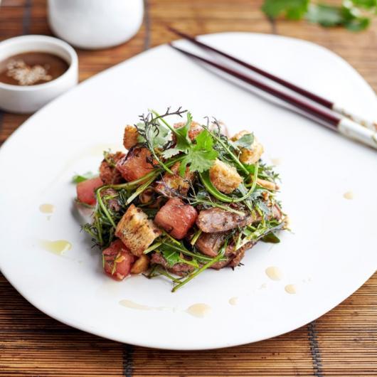 Salade met gekonfijte eend en watermeloen